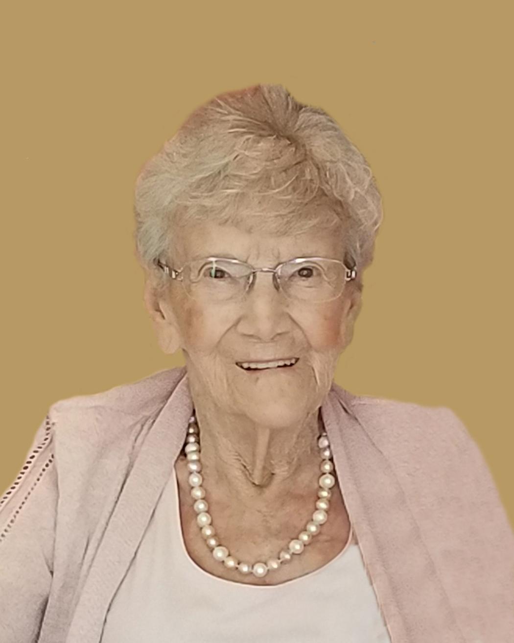 Erger, Lois 8x10 obit photo.jpg