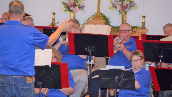 Mid Minnesota Concert Band hits all the right notes | Maple Lake